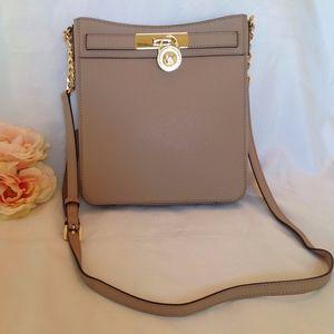 NWT Michael Kors Hamilton Shoulder Bag